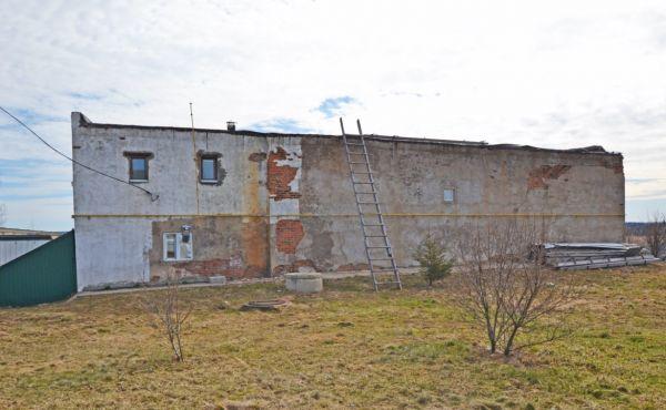 Производственная база 540м² + 50 соток в Шаховском рйоне. Газ подключен.